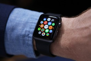 The Smart-watch War: Apple iWatch vs Pebble Time